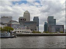 TQ3680 : River Thames, Canary Wharf by David Dixon