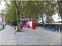 TQ2977 : Large Screen TV in Grosvenor Road by PAUL FARMER