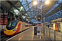 SJ3590 : Platform 7, Liverpool Lime Street by El Pollock