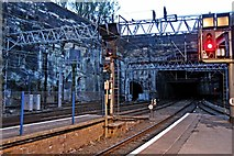SJ3590 : Tunnel to Edge Hill, Liverpool Lime Street by El Pollock