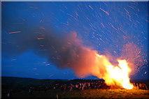 SJ3200 : Wind helps the Jubilee Beacon catch fire by Dave Croker