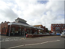 TQ7407 : Bexhill railway station by Stacey Harris