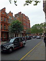 TQ2878 : Lower Sloane Street, Chelsea by PAUL FARMER