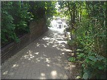 TQ3187 : Footpath to Oxford Road from Parkland Walk by David Howard