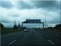 SE3026 : M62 eastbound at  Ardsley Common by Colin Pyle
