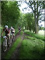 SO3991 : MTB riders on the west side of the Mynd by Richard Law
