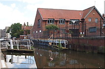 SK7953 : Newark, Notts (Basin & Lock) by David Hallam-Jones