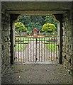 SE3103 : View through the arch into the Victorian Garden by Steve  Fareham