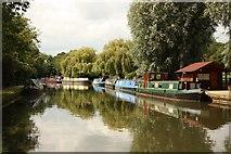 TQ1683 : Grand Union Canal by Richard Croft