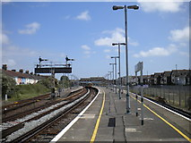 TQ0202 : Littlehampton station platforms by Richard Vince