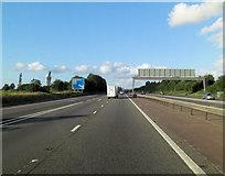 SU5846 : M3 approaches Junction 7 by Stuart Logan