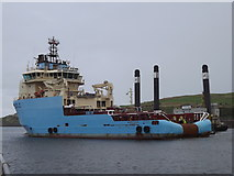 NJ9505 : Maersk Tender Leaving Aberdeen Harbour by Colin Smith