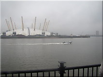 TQ3880 : A speedboat passing the O2 by Robert Lamb
