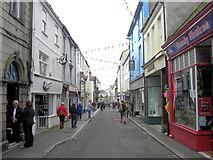 SW8132 : Arwenack Street by Stuart Logan