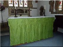 SY5697 : SS Andrew & Peter, Toller Porcorum: altar by Basher Eyre