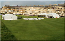 ST7465 : White marquees and white chairs on the lawn in front of Royal Crescent, Bath by Jaggery