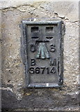 ST6834 : Benchmark on #1 High Street by Roger Templeman