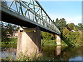 SO7680 : Footbridge across the Severn at Arley by Jaggery
