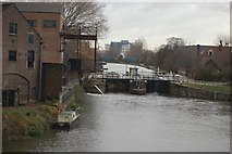 TQ3783 : Lock on River Lee Navigation by John Sparshatt