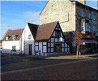 SO8005 : Grade II listed Tudor House, Stonehouse by Jaggery