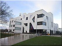 TA0832 : Endike Primary School on Endike Lane, Hull by Ian S