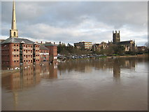 SO8454 : River Severn and Worcester Cathedral by Philip Halling