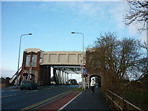 TA0832 : Sutton Road Bridge, Hull by Ian S
