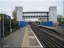 TQ0471 : Staines railway station, Surrey by Nigel Thompson