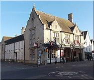 ST8993 : The Snooty Fox, Tetbury by Jaggery