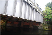 TQ3783 : Northern Outfall Sewer crosses the River Lea by N Chadwick