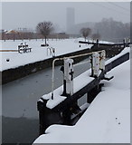 SK5702 : Freeman's Lock on the Grand Union Canal by Mat Fascione