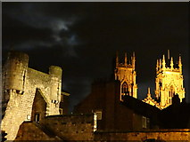 SE6052 : Historical York at night by Debbie J