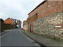 SU8605 : Looking from Priory Road into St Peter's by Basher Eyre
