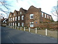 TQ0487 : House where Sir John Mills lived, Denham by Alexander P Kapp