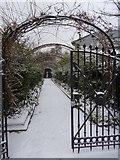 TQ2882 : Formal garden entrance, Regent's Park NW1 by Robin Sones