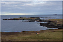 HU5966 : View over Peat Geo to the Inner Holm of Skaw, Whalsay by Mike Pennington