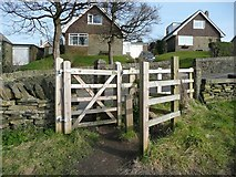 SE1421 : Gate on the public footpath off Toothill Bank by Humphrey Bolton