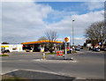 SU5189 : Shell Garage, Didcot by Des Blenkinsopp