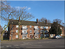 TQ4077 : Housing on Beaconsfield Close by Stephen Craven
