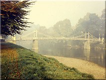 SO5139 : Victoria bridge, Hereford, on a misty morning by Richard Green