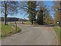SU9369 : Farm access road by Alan Hunt