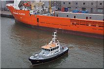 NJ9505 : Pilot boat in Victoria Dock, Aberdeen by Mike Pennington