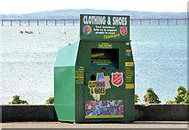 J4792 : Recycling bin, Whitehead by Albert Bridge