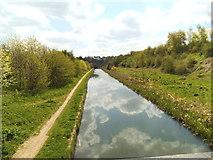 SO9494 : Canal Footbridge View by Gordon Griffiths