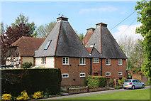 SU7438 : Rycote Oast, Wyck Lane, East Worldham by Oast House Archive