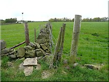 SE0721 : The eastern end of the south branch of Elland Footpath 41 by Humphrey Bolton