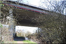 TQ5571 : M25 crosses the River Darent by N Chadwick