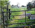 SO1600 : Northern entrance to the churchyard, Bedwellty by Jaggery