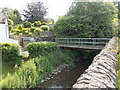 SO2956 : Back Brook footbridge, Kington by Jaggery