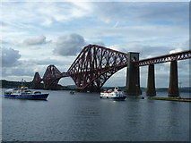 NT1378 : Forth tour boats by kim traynor